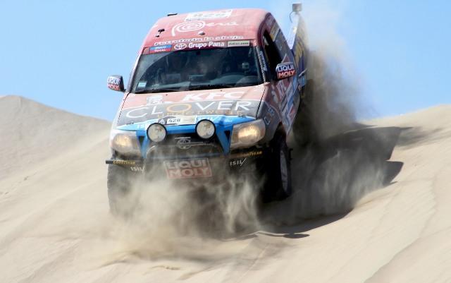 Beto Morales & Paul Aray - Dakar 2013 / foto: PrensA dURO 4X4