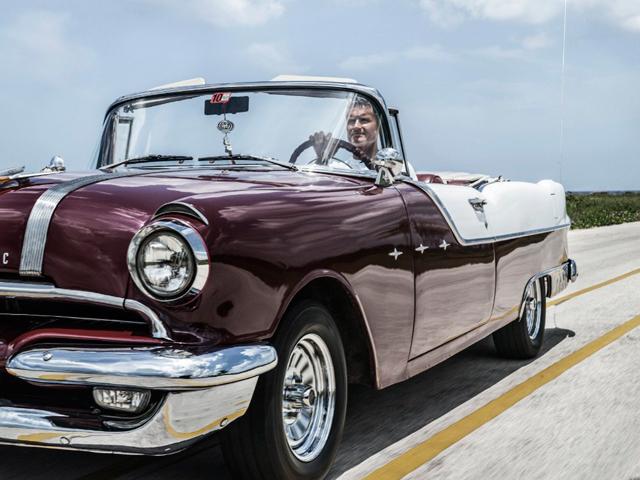 David Coulthard Participo En La Carrera De Autos Antiguos De Cuba