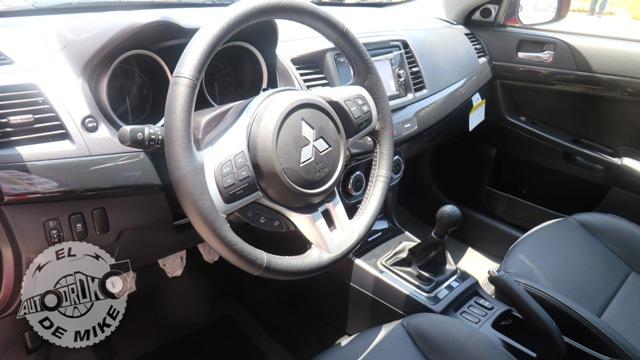 Mitsubishi Lancer Evolution X - Interior / Foto: Stephanny Padilla