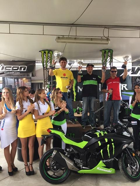 Team Suzuki - Superbike 2015 / Foto: Prensa Suzuki