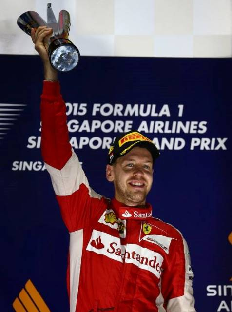 GP Singapur - Sebastian Vettel 01