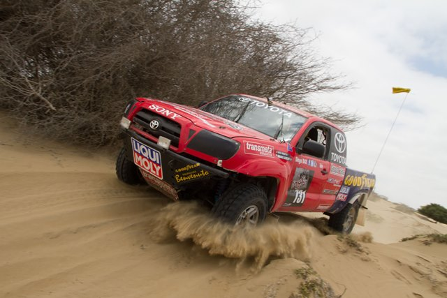 Weber y Subogono / Camionetas T11 - Inka Off road / Foto: Prensa Inka Off road