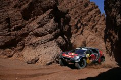Rally Dakar - Loeb 01