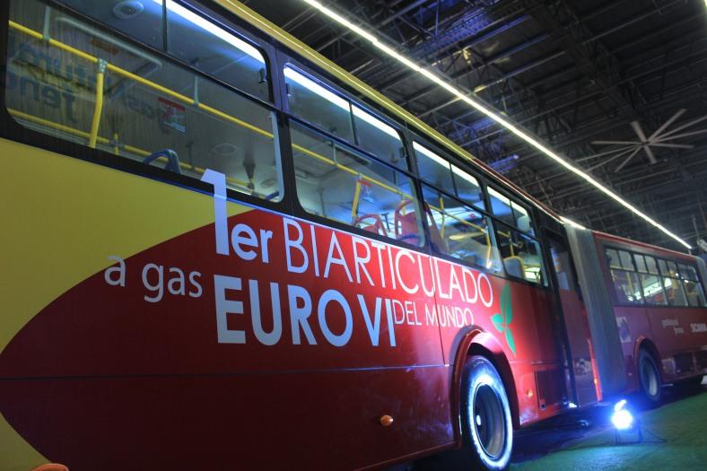 Scania - Bus biarticulado (2)