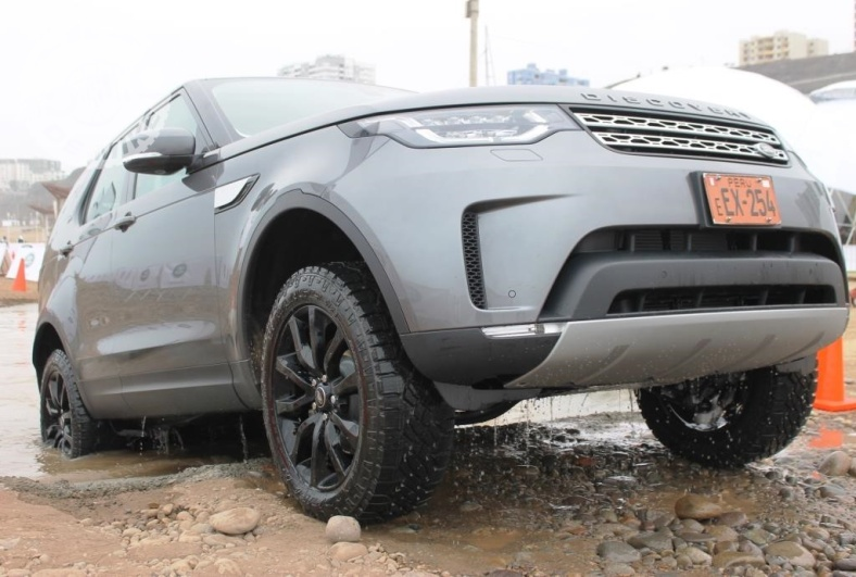 Land Rover Discovery 2018 (39)