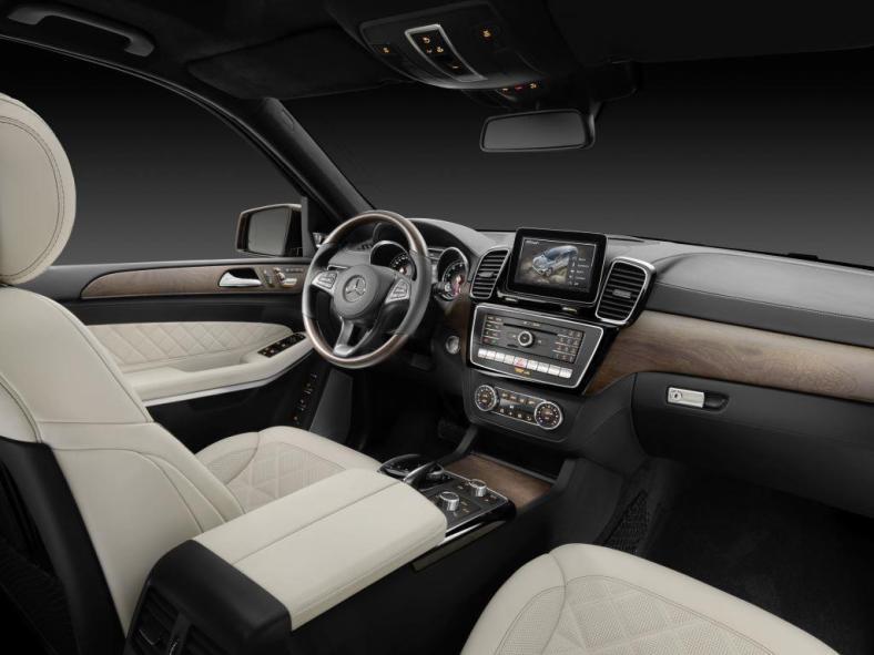 Mercedes-Benz GLS 400 (3)